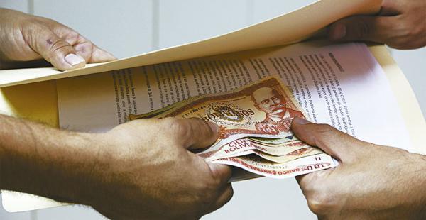 Bolivia se ubica en el puesto 99 del índice de corrupción. Opositores reclaman políticas
