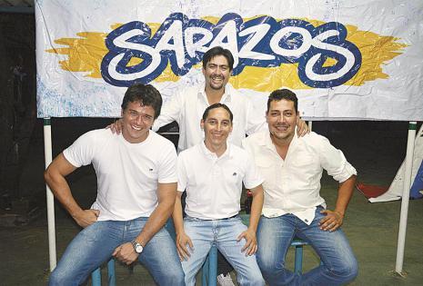 Guido Sandóval (de pie), Fernando Velasco (presidente), Javier Lladó y Renato Veizaga