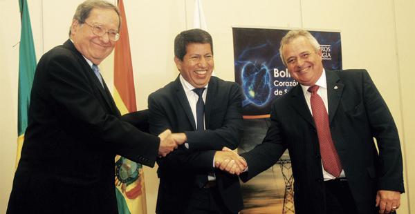 Las cabezas del sector energético de Brasil y Bolivia muestran el buen ambiente que hay en la negociación
