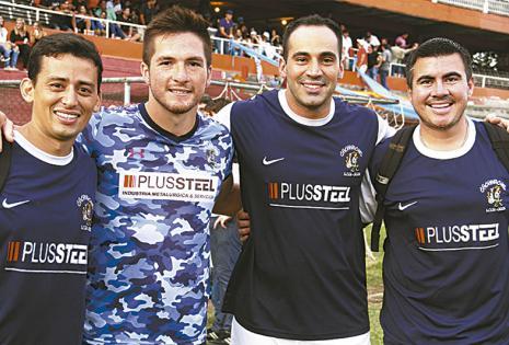 José María Landívar, 'Leo' Valdez, Eduardo Greiner y Cristian Méndez,  de los  Cachivachis