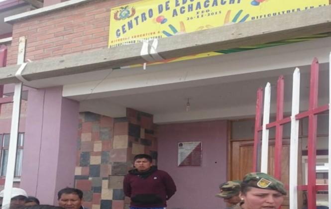 Defensoría denuncia que militares impidieron el ingreso al conteo de votos en Achacachi