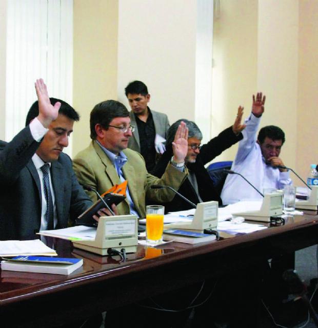 CAMC: La Comisión no definió llamar a Zapata, Morales y otros