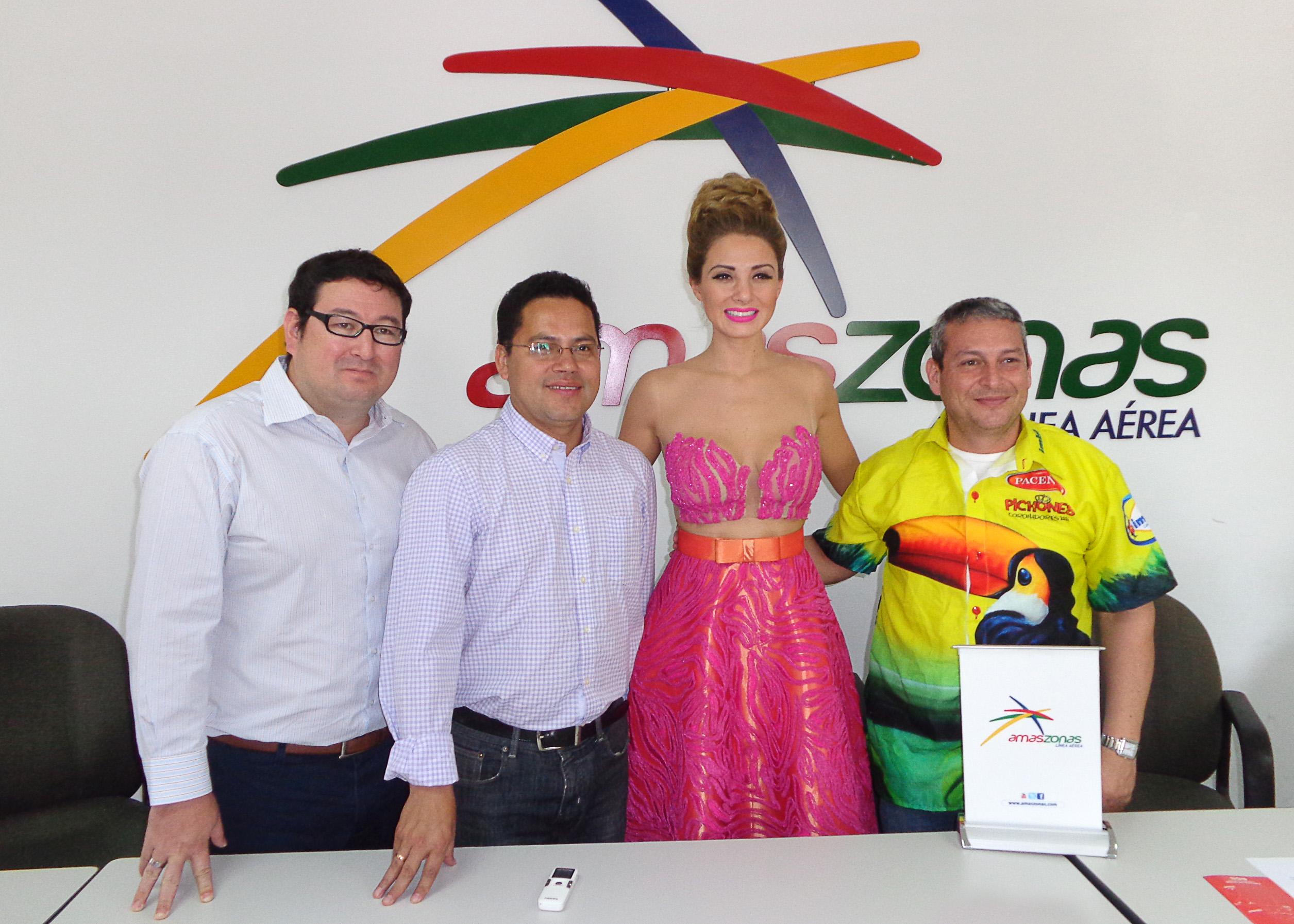 Alan Botello, Eddy Luis Franco, Valeria Saucedo y Eduardo Antelo.