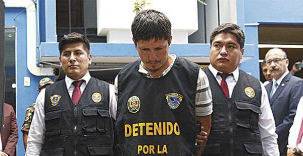 La Policía de Perú presenta al boliviano detenido con drogas