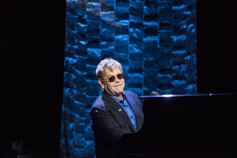 Elton John, durante su actuación para la recaudación de fondos para la candidata demócrata a la presidencia de EE UU.