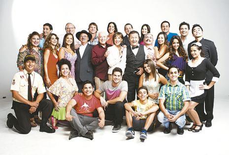 Con el elenco de Al fondo hay sitio Tatiana comenzó con la serie en septiembre de 2011, esta es su quinta temporada.