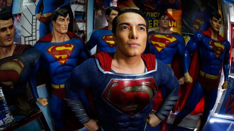 Herbert Chavez se autodenomina el mayor fan del mundode Superman