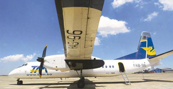 aeropuerto del tam en el alto tiene capacidad para 60 pasajeros. hicieron vuelos solidarios Este es el FAB 96 que espera poder volar pronto. Los MA-60 volaron unos cinco años, hoy están parados