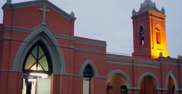 El templo Nuestra Señora del Rosario es uno de los más visitados por los feligreses en el municipio de Warnes