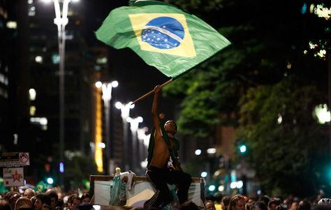 Manifestantes muestran su repudio a Rousseff ya  la designación de Lula como ministro. Foto: AFP