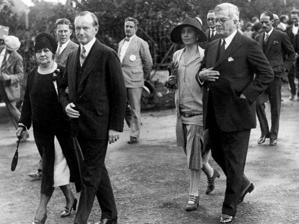 El presidente Calvin Coolidge y su esposa junto a su homólogo cubano, el General Gerardo Machado, el 19 de enero de 1928 en la Habana.
