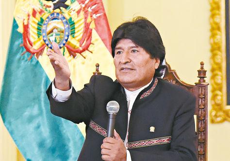 Informe. El mandatario Evo Morales durante la conferencia de prensa de ayer en el Palacio de Gobierno.
