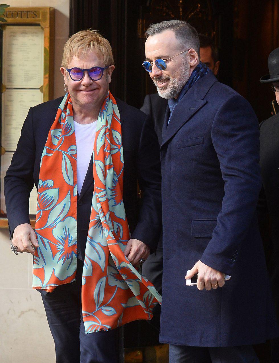 Elton John y su marido.