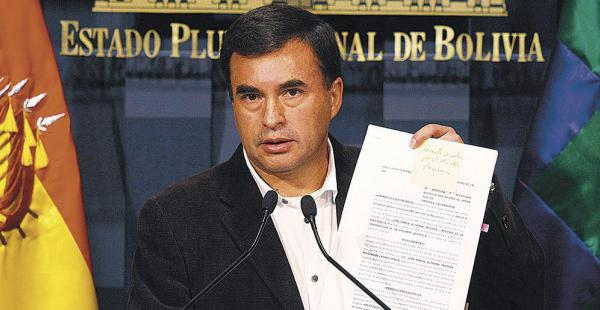 El ministro Juan Ramón Quintana dijo ayer que no tenía dinero para contratar un abogado