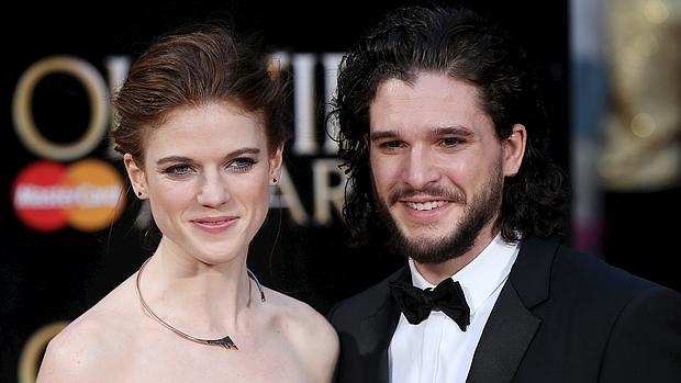 La pareja apareció en la alfombra roja de Olivier Awards