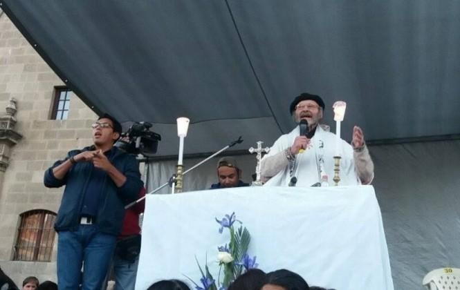 En misa con discapacitados, el padre Albó pidió que se ablande el corazón de las autoridades
