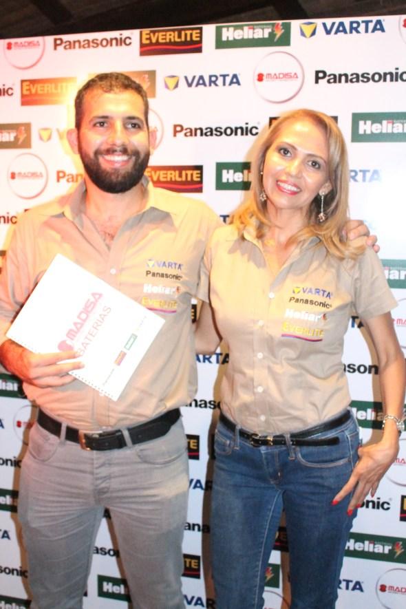 EJECUTIVOS Aarón Rozenmar y Shirley Saucedo