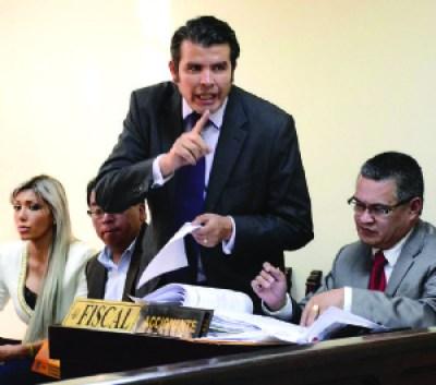 Defensa de Zapata denuncia que solo hay copia de algunas hojas del libro de ingresos a Gestión Social
