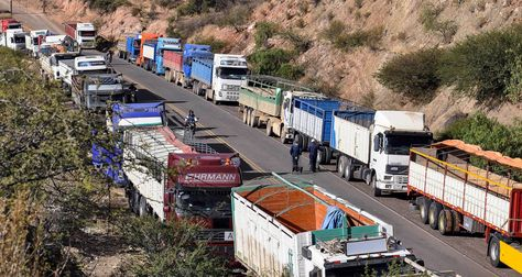 Bloqueo del transporte pesado en la carretera Chuquisaca - Potosí.