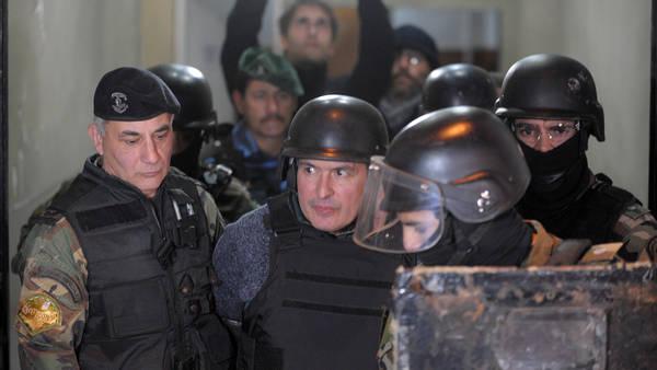 José López, el poderoso ex secretario de Obras Públicas K, cuando ayer fue trasladado desde una comisaría de General Rodríguez. Foto: Rolando Andrade Stracuzzi