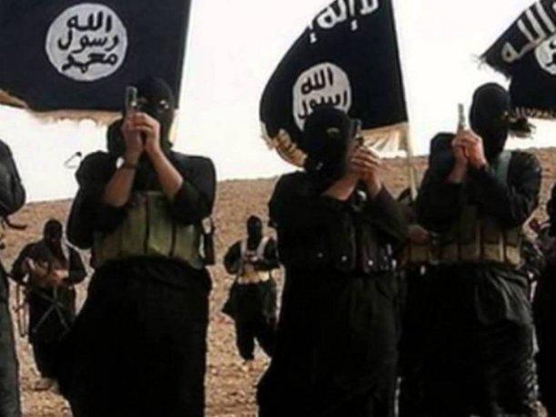 Estado Islámico causa terror con nuevo y brutal método de ejecución