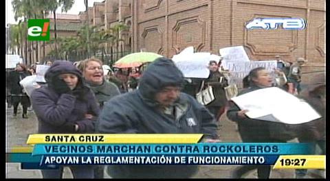 Santa Cruz: Vecinos marcharon en apoyo a la regulación de rockolas