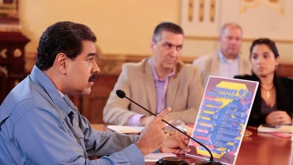Nicolás Maduro, durante un consejo ministerial en el Palacio Miraflores en Caracas (Venezuela). / EFE