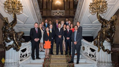 Equipo de ministros socializa en España el Plan Nacional de Desarrollo