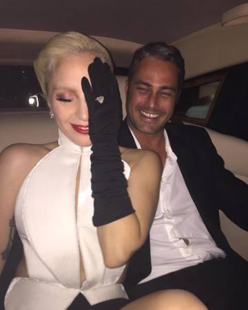 Lady Gaga y su pareja Taylor Kinnay.