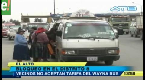 Bloquean en rechazo al costo del pasaje del Wayna Bus
