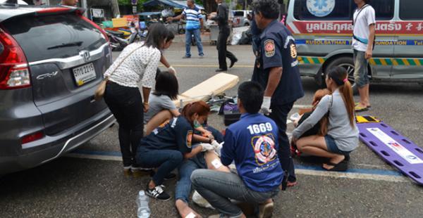 14 explosiones provocaron muertos y heridos en Tailandia