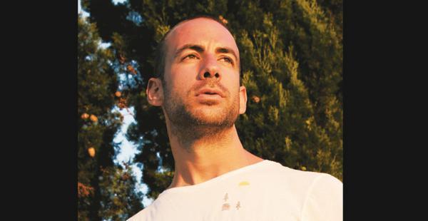ESPAÑOL. Julián Pérez estuvo en Rumania, Ucrania y EEUU