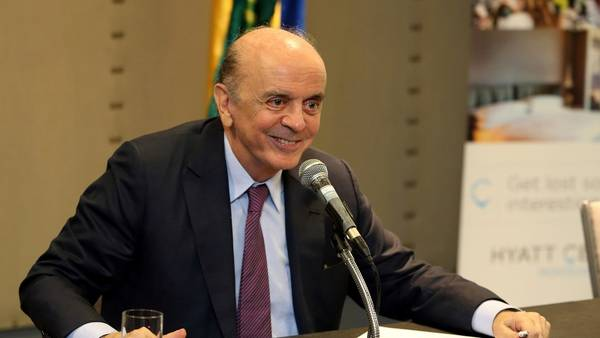 El canciller brasileño, José Serra, en una conferencia de prensa en julio en Montevideo. REUTERS