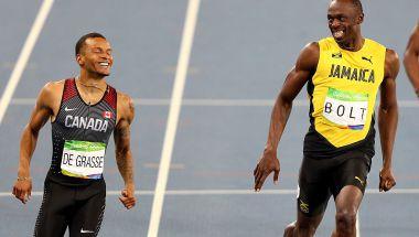 Usain Bolt llegó sonriendo con Andre de Grasse a la meta en la semifinal y disputará la final de los 200 m.(Crédito: Ian Walton/Getty Images)