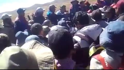 Video muestra al viceministro Illanes pidiendo auxilio por teléfono