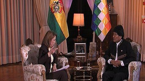 El presidente Evo Morales durante su entrevista en Telesur. Foto: @mincombolivia