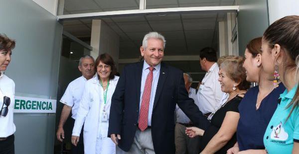 Rubén Costas habló sobre el pacto fiscal en la inauguración del acelerador lineal en el Oncológico
