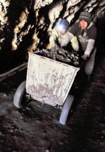 Cooperativistas dicen que actividad minera bajó en 50%