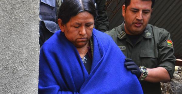 La exministra Nemesia Achacollo afirmó en la Fiscalía que desconocía la ley del Fondo Indígena