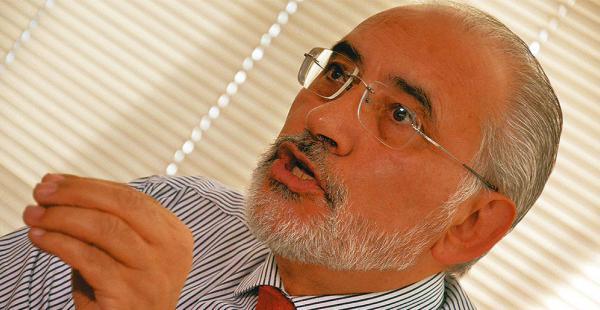 El expresidente Carlos Mesa tiene buena aceptación, según sondeo