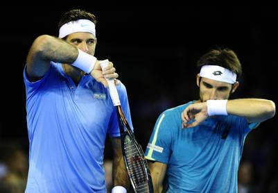 Del Potro y Pella en el partido de dobles. (Juano Tesone)