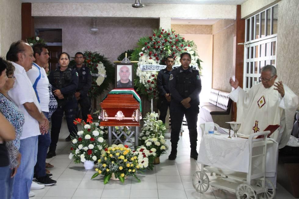 El velorio de Tomás Hernández, en Acapulco.