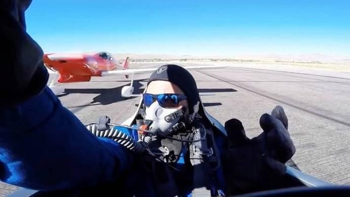 Una avioneta casi decapita a un piloto