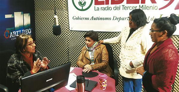 Con su gran equipo de  trabajo El programa Cabildeo lo realiza en coordinación con Roxana Lizárraga y otras seis personas más, quienes se sienten orgullosas de tener una jefa como Amalia.