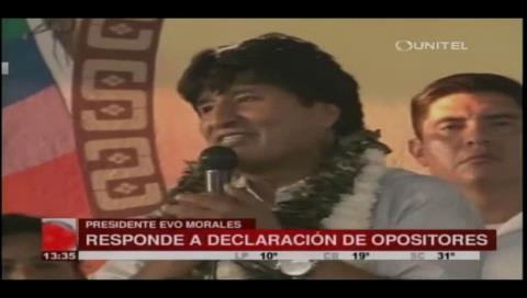"""Evo afirma que la oposición se """"avergüenza"""" de estar con los campesinos"""