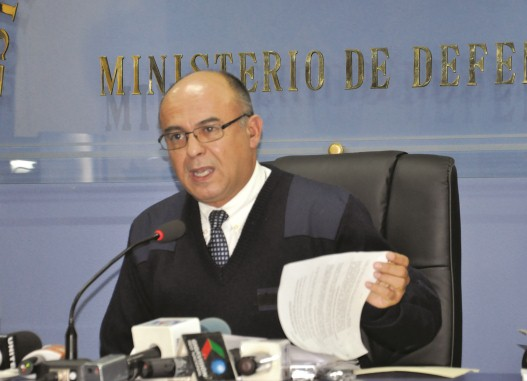 Resultado de imagen para ministro de Defensa, Reymi Ferreira