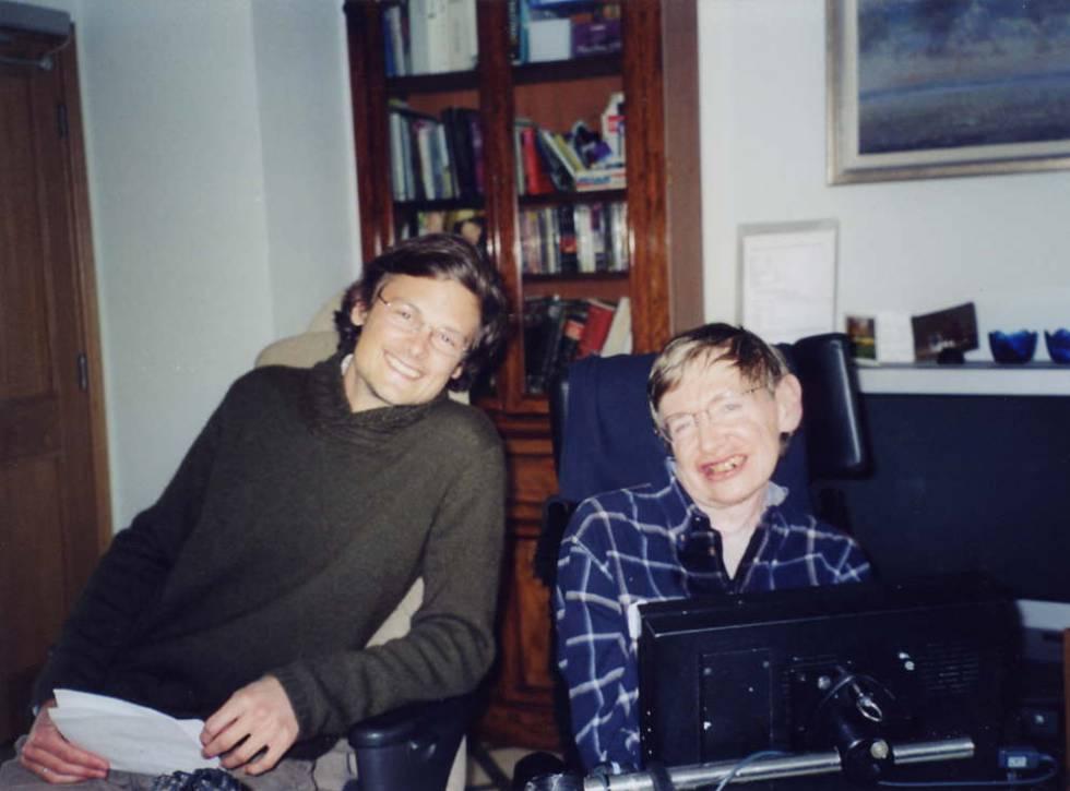 Christophe Galfard y Stephen Hawking, en la Universidad de Cambridge.