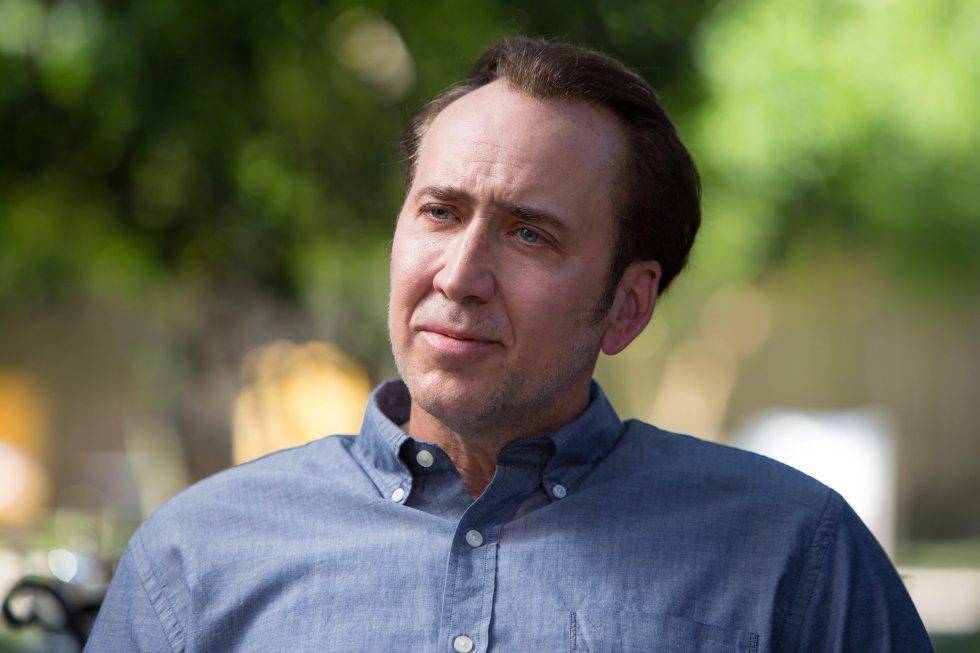 Nicolas Cage atrapó en 2007 a un hombre que se encontraba en el jardín de su casa, en Newport Beach (Los Ángeles), vestido con una cazadora del actor. El hombre, que fue detenido acusado de intento de robo, relató a la policía que la prenda la había conseguido en el dormitorio del intérprete y su esposa, Alice Kim, mientras ambos dormían y que, además, se había comido un helado mientras los observaba. El hijo de ambos, Kal-El Cage, que por aquel entonces tenía dos años, también se encontraba en la vivienda.