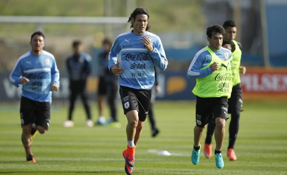 Cavani durante un entrenamiento con la selección uruguaya