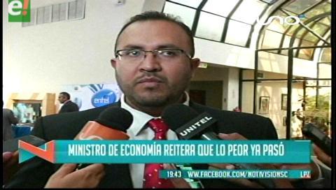 Titulares de TV: Ministro de Economía estima que el 2017 volverá el doble aguinaldo